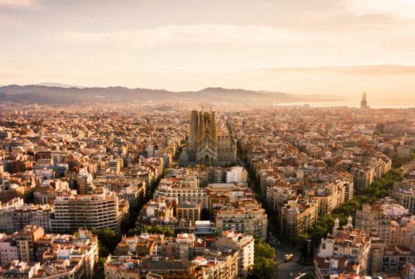 Vista aérea del Ensanche de Barcelona, en el que se ve la Sagrada Familia